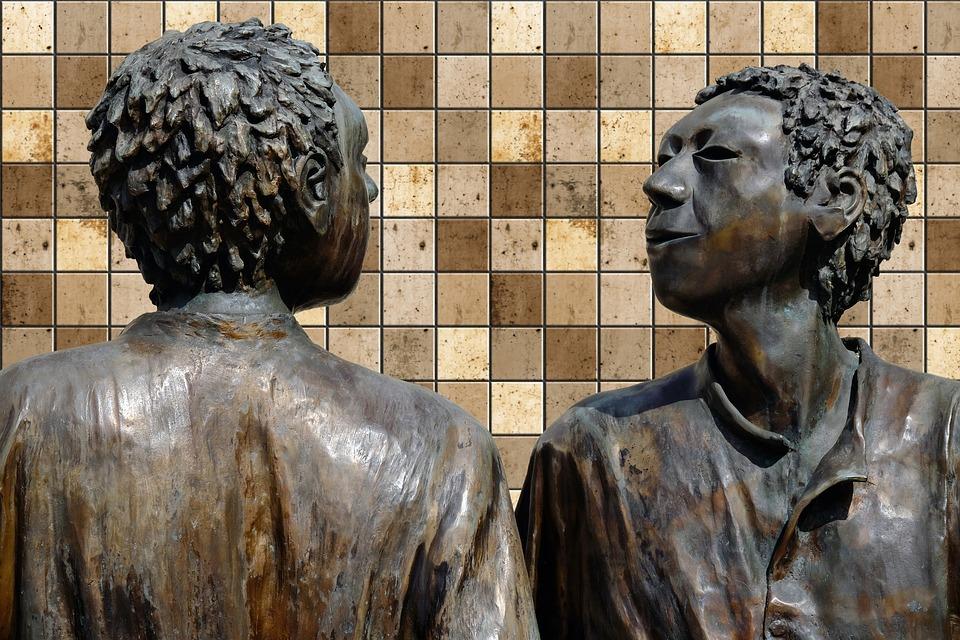 dos-figuras-de-bronce